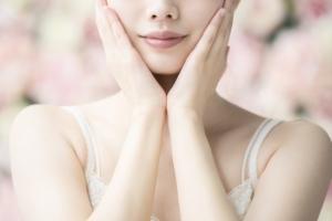 クリアのUVカットサングラスは美容と健康のため
